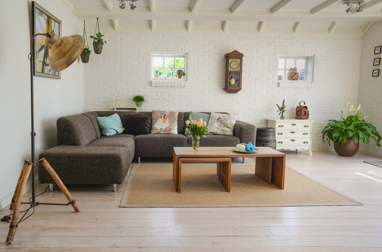 Cutting Costs of Guest Bedroom Sets and Furniture