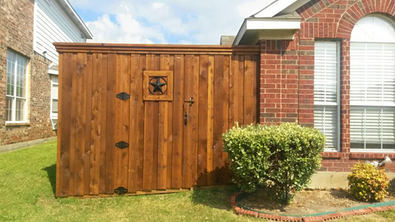 Hiring a Wood Fence Installation Company in Fort Worth 2